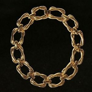 Jewelry - Gold Tone Rectangular Chain Link Necklace